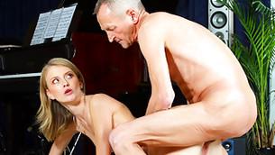 Skinny honey bimbo gets on her knees and gets screwed hard